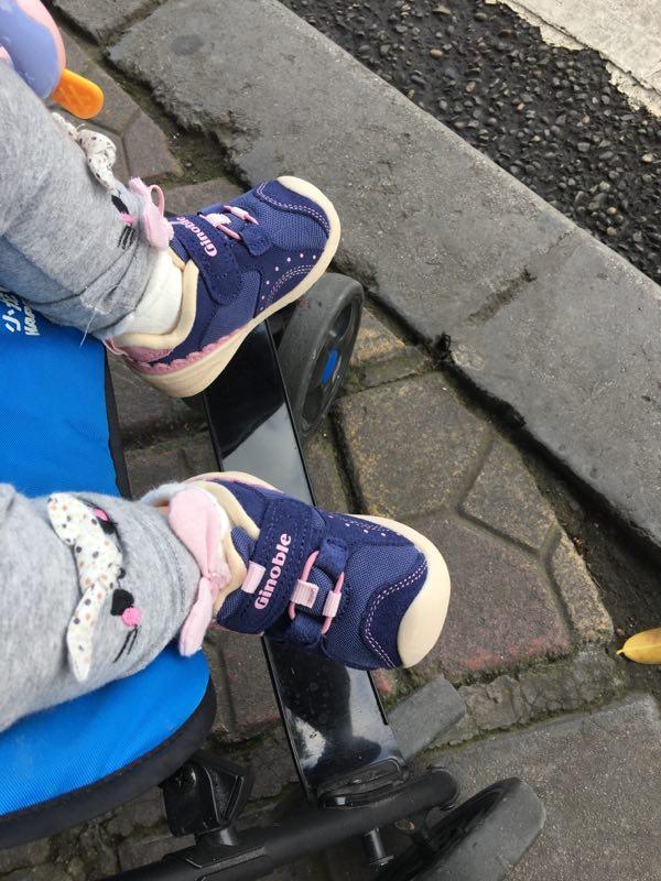 小九月的第二双鞋